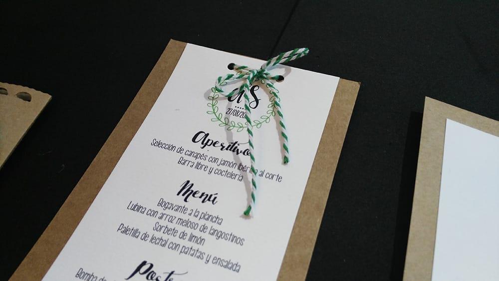 Seating Papelería e invitación boda Kraft y verde - ZAZU - Diseño de bodas