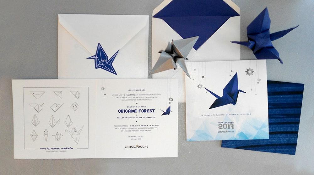 Invitación navidad para al brunch Origami forest con grullas de papel en azul y plata