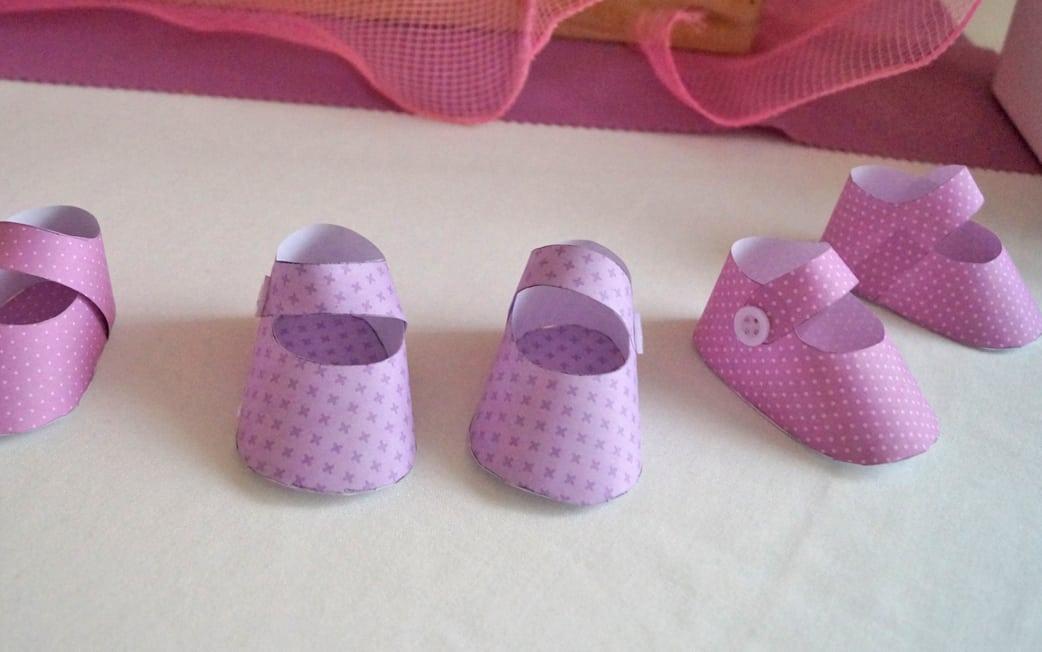 Mesa patucos morado y rosa Baby Shower María