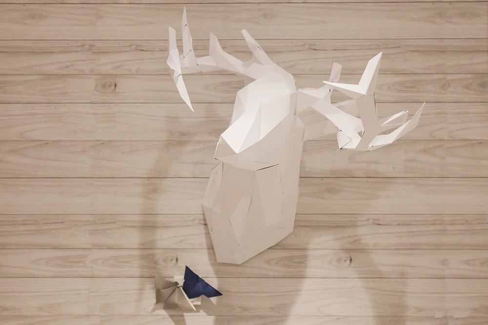 Detalle ciervo de origami de la cena de navidad origami forest