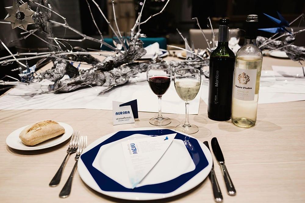 Detalle decoración mesa menú origami forest en el plato