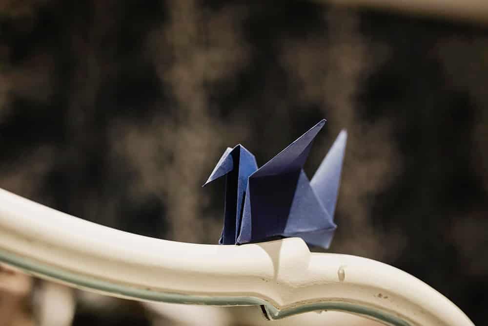 Grulla de origami azul