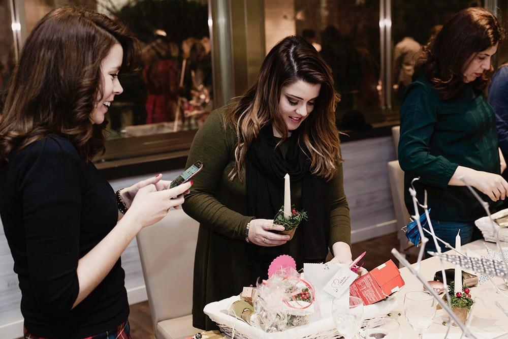 Creando la cesta de navidad del Evento Origami Forest