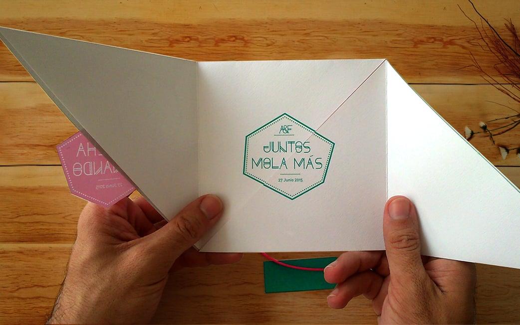 ZAZU diseño invitación geométrica fucsia y turquesa