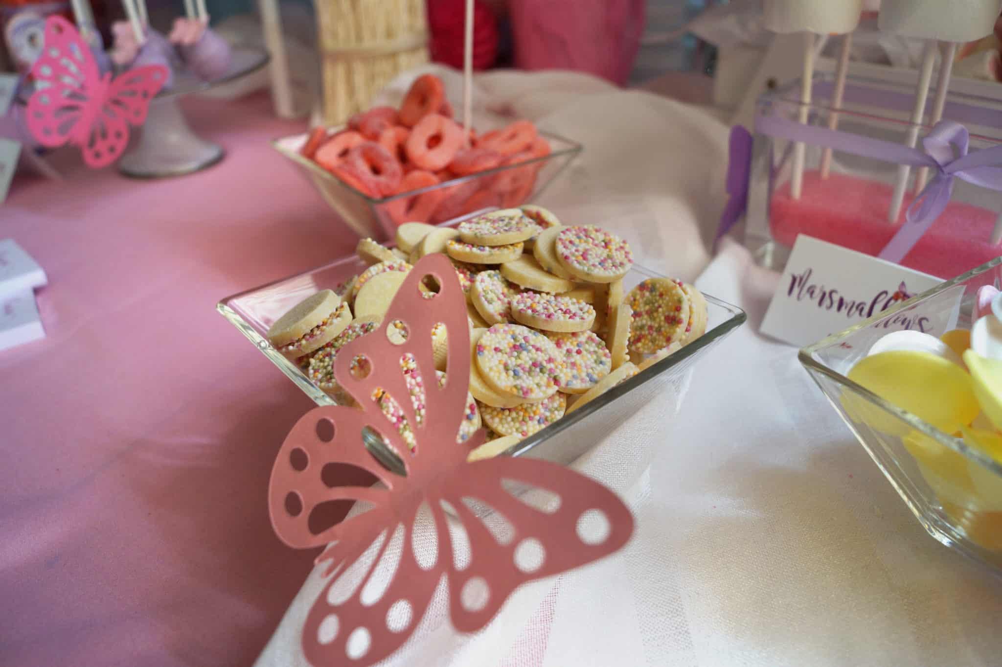 Detalle candy bar mesa dulce comunión Lucia