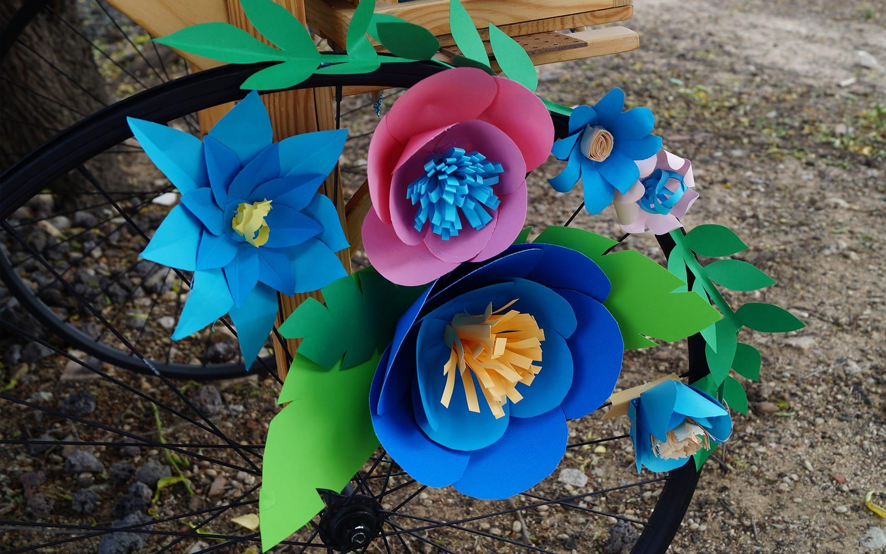 flores papel Candy Bar Comunión azul ZAZU Comunion Jimena