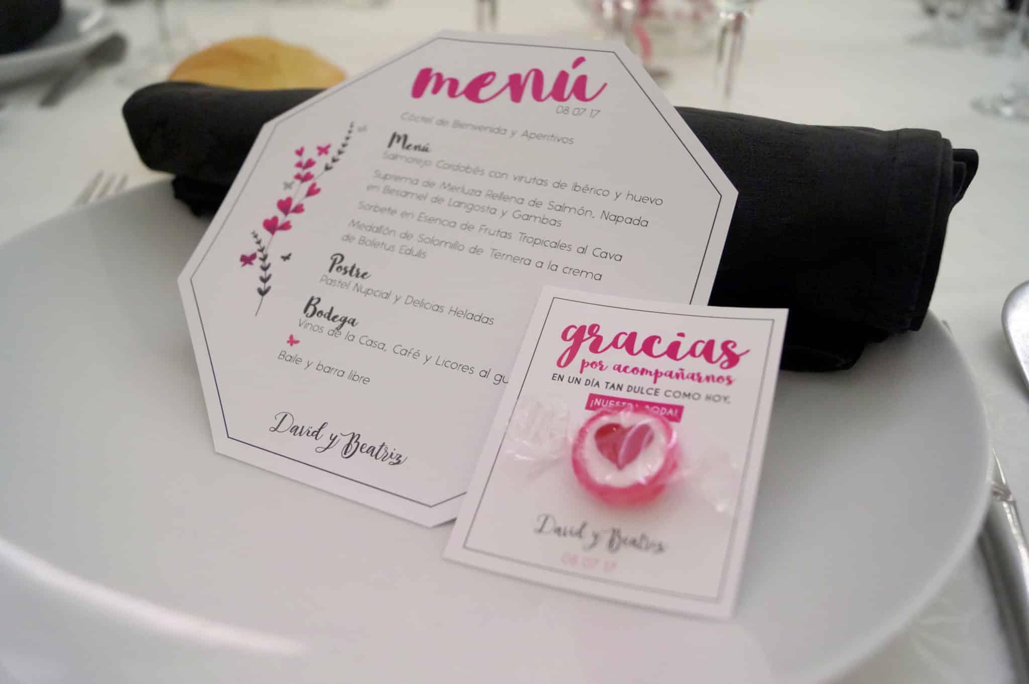 menú geométricoy tarjeta de agradecimiento con caramelo ZAZUboda BeayDavid, romantica y elegante