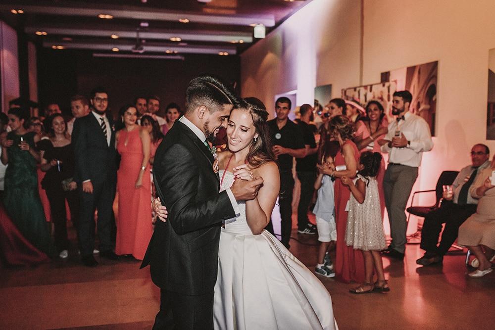 Baile novios boda parador de alcalá de henares boda festival BodaFest Ana y Juanma foto ernesto villalba