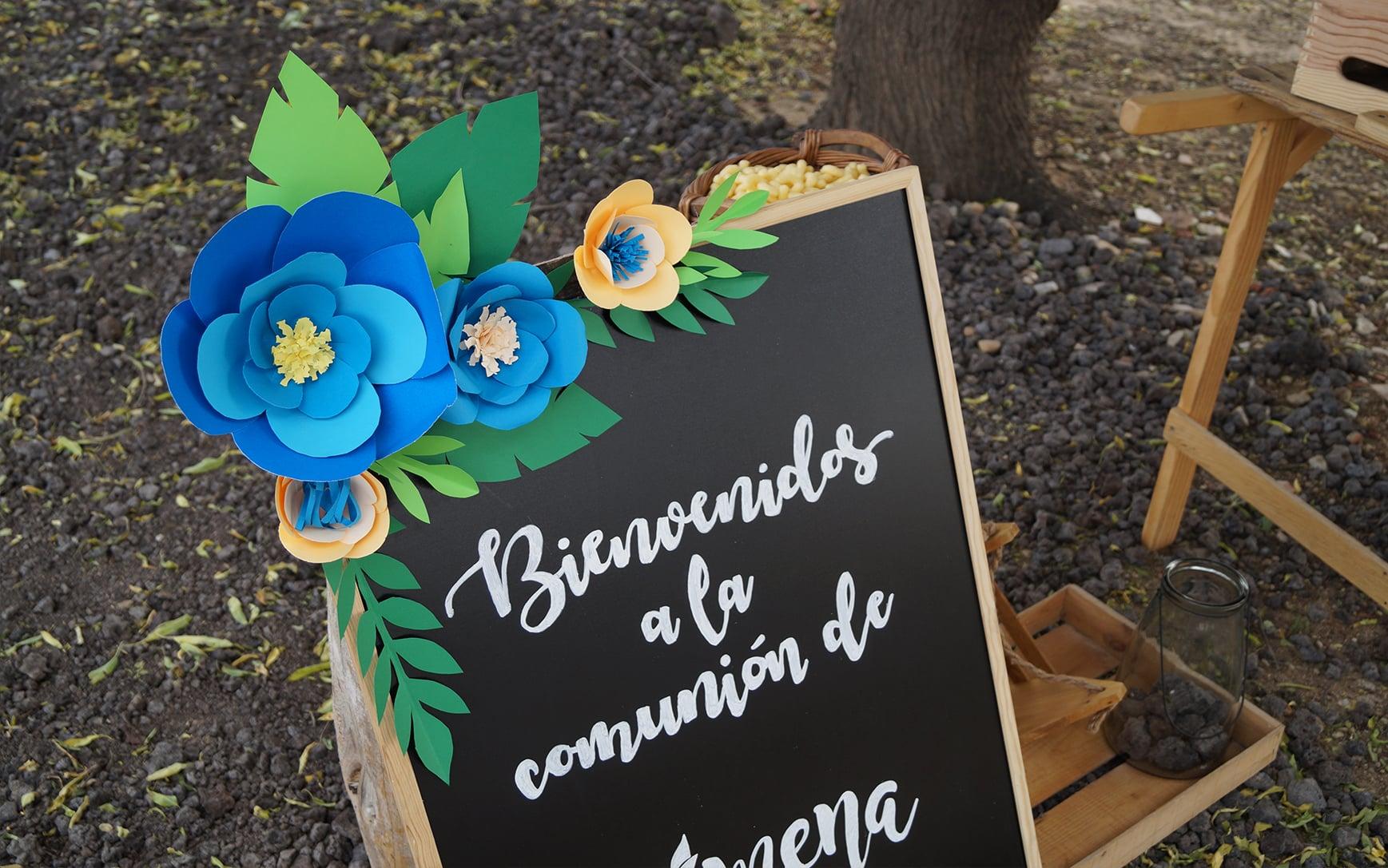 pizarra letterig flores papel Candy Bar Comunión azul ZAZU Comunion Jimena