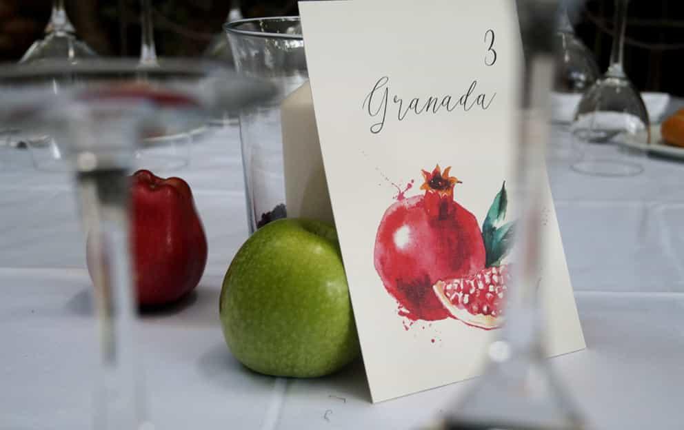 meseros de boda fruta
