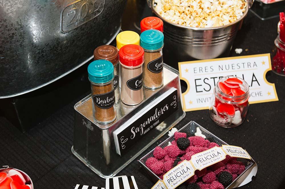 popcorn bar mesa palomitas decoración2-boda-tematica-cine