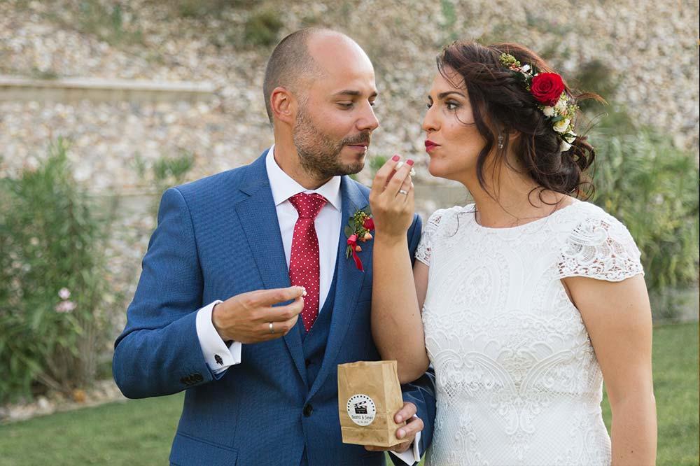 novios comiendo palomitas decoración2-boda-tematica-cine