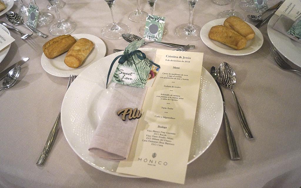 detalle Banquete cortijo de mónico decoración Boda Memorias de África de