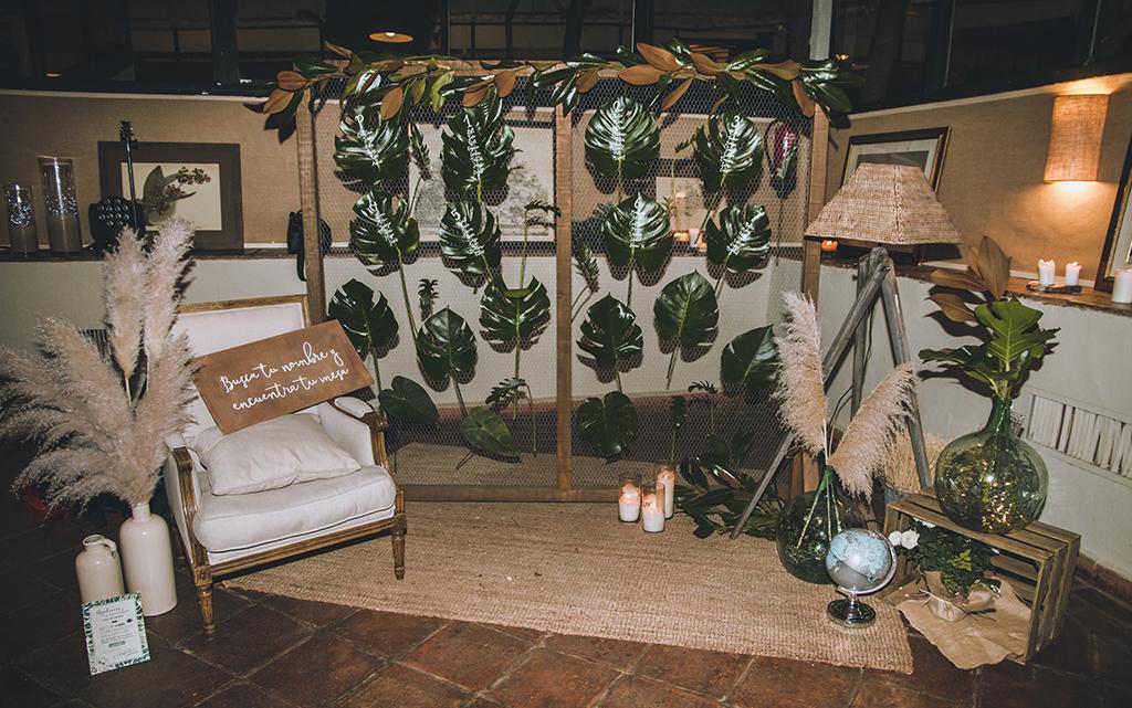 Seating plan lettering hojas cortijo de mónico decoración Boda Memorias de África de