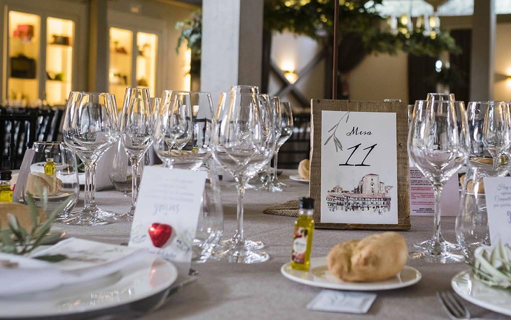 salón boda-con detalles decoración de olivos finca la montaña en Aranjuez