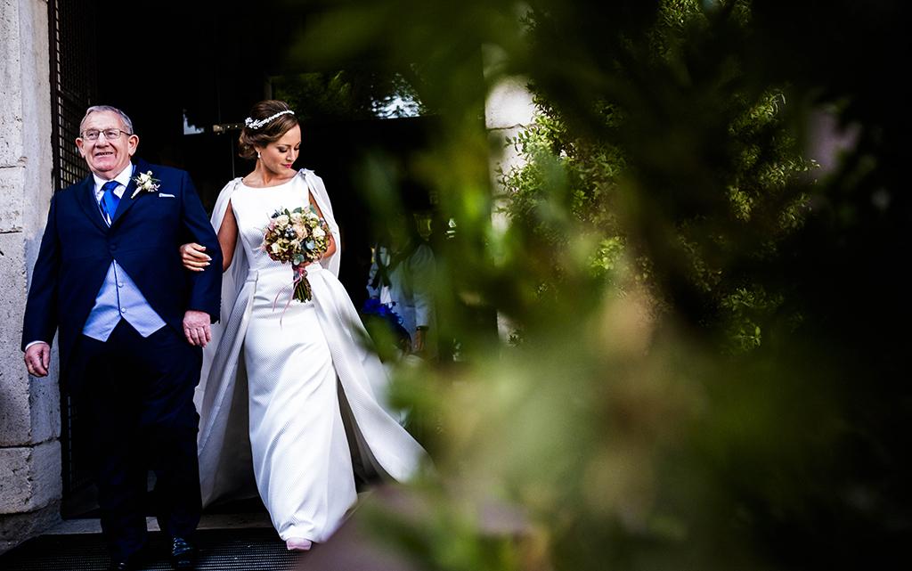 novia preparativos boda-con decoración de olivos chinchón