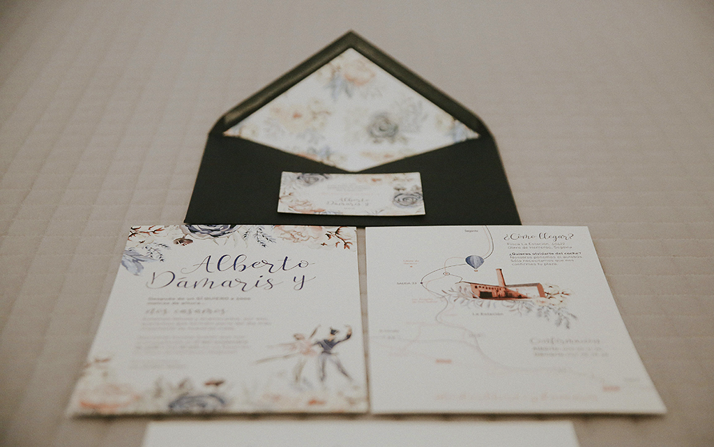 detalle piezas Diseño Invitación romántica boda el cascanueces